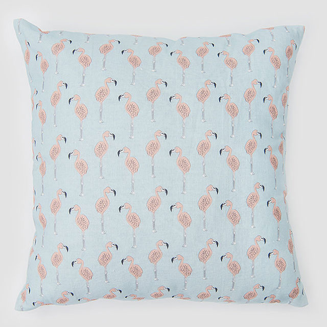 https://www.bxxlght.com/wp-content/uploads/2018/05/BXXLGHT_Flamingo_Pillow_1.jpg